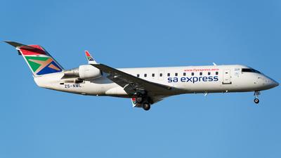 A picture of ZSNML - Mitsubishi CRJ200ER - [7201] - © Renier Siebrits
