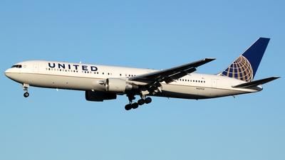 N657UA - Boeing 767-322(ER) - United Airlines
