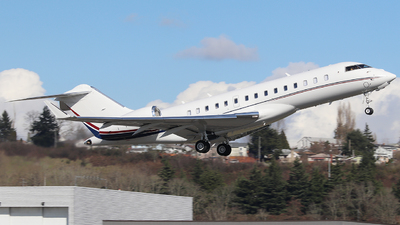 N212LF - Bombardier BD-700-1A10 Global 6000 - Private