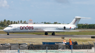 A picture of LVBEG - McDonnell Douglas MD83 - Andes Lineas Aereas - © Christian Gois