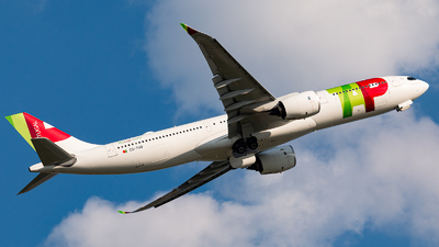A picture of CSTUQ - Airbus A330941 - TAP Air Portugal - © Leige Yang