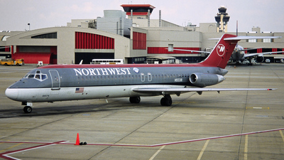 N9338 - McDonnell Douglas DC-9-31 - Northwest Airlines