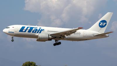 A picture of VPBAG - Boeing 767224(ER) - UTair - © Gerrit Griem