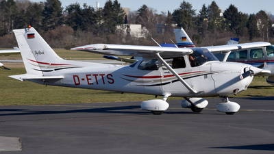 D-ETTS - Cessna 172R Skyhawk II - Aviation Training & Transport Center