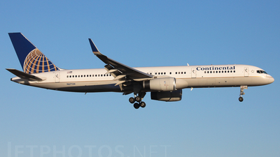 N67134 - Boeing 757-224 - Continental Airlines