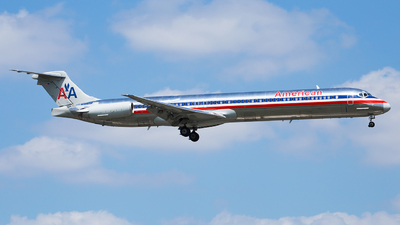 N984TW - McDonnell Douglas MD-83 - American Airlines