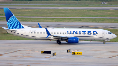 N13227 - Boeing 737-824 - United Airlines
