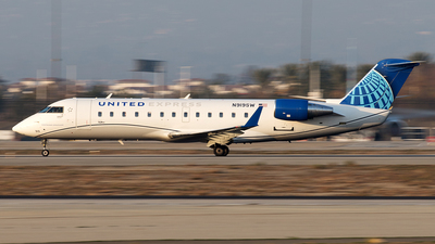 A picture of N919SW - Mitsubishi CRJ200LR - United Airlines - © Yixin Chen