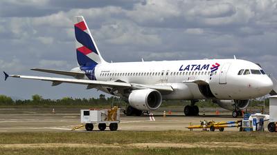 A picture of PRMYI - Airbus A320214 - LATAM Airlines - © MATEUS CRUZ