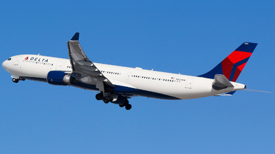 A picture of N829NW - Airbus A330302 - Delta Air Lines - © Alec Mollenhauer