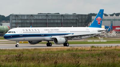 D-AYAG - Airbus A321-211 - China Southern Airlines
