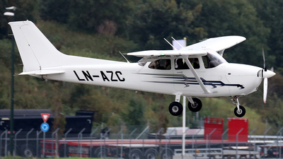 LN-AZC - Cessna 172S Skyhawk SP - Scandinavian Aviation Academy