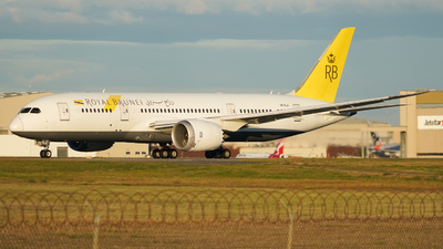 V8-DLA - Boeing 787-8 Dreamliner - Royal Brunei Airlines