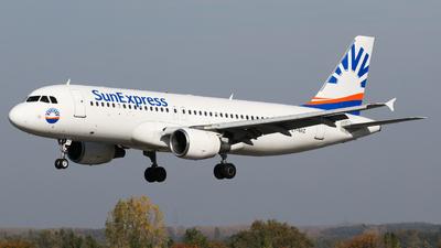 LY-NVZ - Airbus A320-214 - SunExpress (Avion Express)