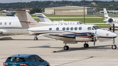 N104BY - Beechcraft B200GT Super King Air - Private