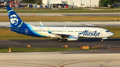 A picture of N527AS - Boeing 737890 - Alaska Airlines - © Edward Pascuzzi