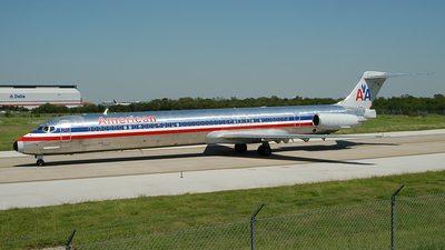 N275AA - McDonnell Douglas MD-82 - American Airlines