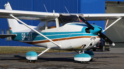 SP-GIT - Reims-Cessna F172N Skyhawk II - Private