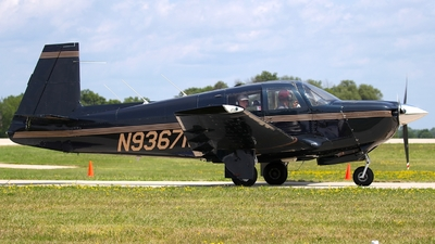 N9367M - Mooney M20E - Private