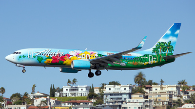 N560AS - Boeing 737-890 - Alaska Airlines