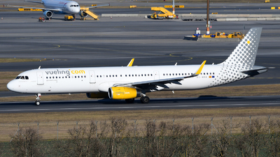 EC-MHA - Airbus A321-231 - Vueling Airlines