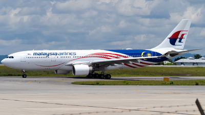 A picture of 9MMTZ - Airbus A330223 - Malaysia Airlines - © kchavgeek96