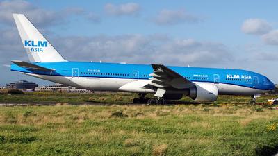 A picture of PHBQM - Boeing 777206(ER) - KLM - © Buzu