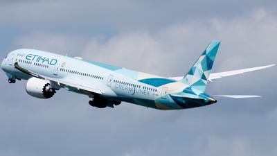 A picture of A6BMH - Boeing 78710 Dreamliner - Etihad Airways - © kchavgeek96