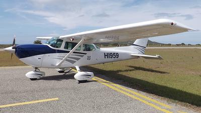 HI959 - Cessna R172K Hawk XP - Private