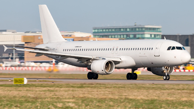 YL-LCS - Airbus A320-214 - easyJet (SmartLynx Airlines)