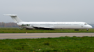 A picture of URCPR - McDonnell Douglas MD83 - Bravo Airways - © Simon De Rudder