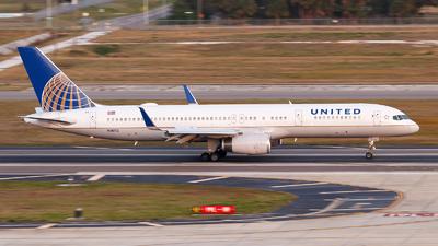 N18112 - Boeing 757-224 - United Airlines