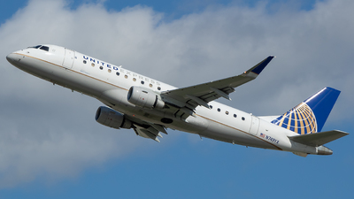A picture of N749YX - Embraer E175LR - United Airlines - © Stephen J Stein