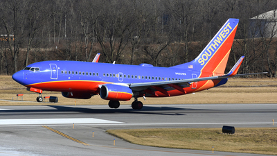 N460WN - Boeing 737-7H4 - Southwest Airlines