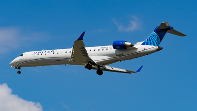 A picture of N519GJ - Mitsubishi CRJ550 - United Airlines - © Haocheng Fang