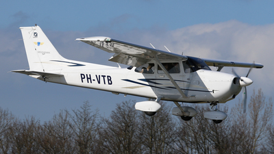 PH-VTB - Cessna 172S Skyhawk SP - Private
