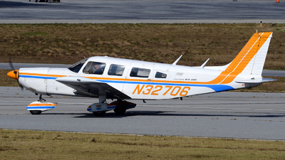 N32706 - Piper PA-32-300 Cherokee Six - Private