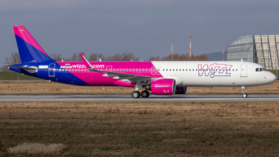 A picture of DAVYN - Airbus A321200N - Airbus - © Martin Fester