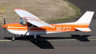 A picture of SEFZY - Cessna F172M Skyhawk - [F17201024] - © Daniel Schwinn