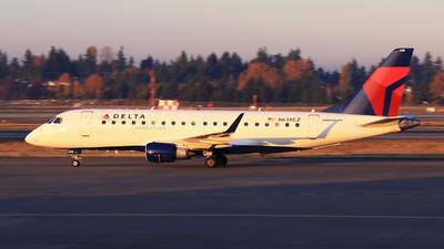 A picture of N638CZ - Embraer E175LR - [17000259] - © Hongming Zheng