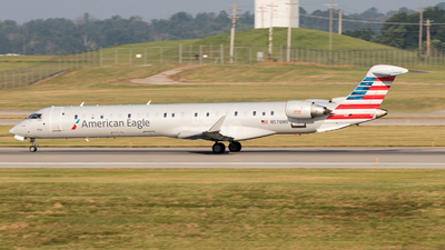 A picture of N578NN - Mitsubishi CRJ900LR - American Airlines - © Yixin Chen
