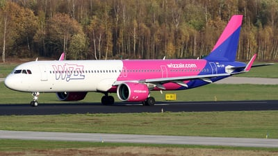 A picture of HALVH - Airbus A321271NX - Wizz Air - © Jeroen Stroes