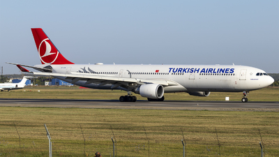 A picture of TCJOA - Airbus A330303 - Turkish Airlines - © Loredana Cioclei