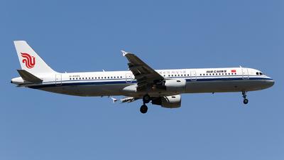 B-6595 - Airbus A321-213 - Air China