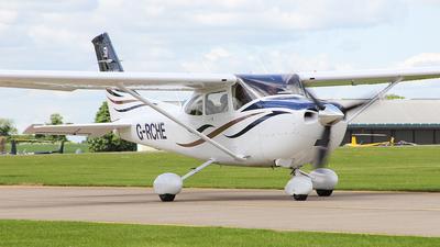 G-RCHE - Cessna 182T Skylane - Private