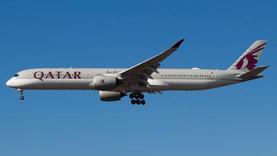 A picture of A7ANA - Airbus A3501041 - Qatar Airways - © LorenzoAfonso