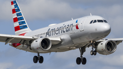 A picture of N768US - Airbus A319112 - American Airlines - © Andrew Wu