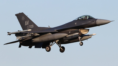 90-0709 - Lockheed Martin F-16CM Fighting Falcon - United States - US Air Force (USAF)