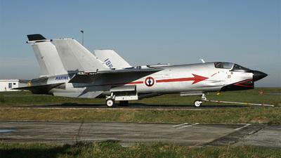 11 - Vought F-8P Crusader - France - Navy