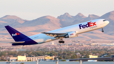 A picture of N112FE - Boeing 7673S2F(ER) - FedEx - © Huy Do